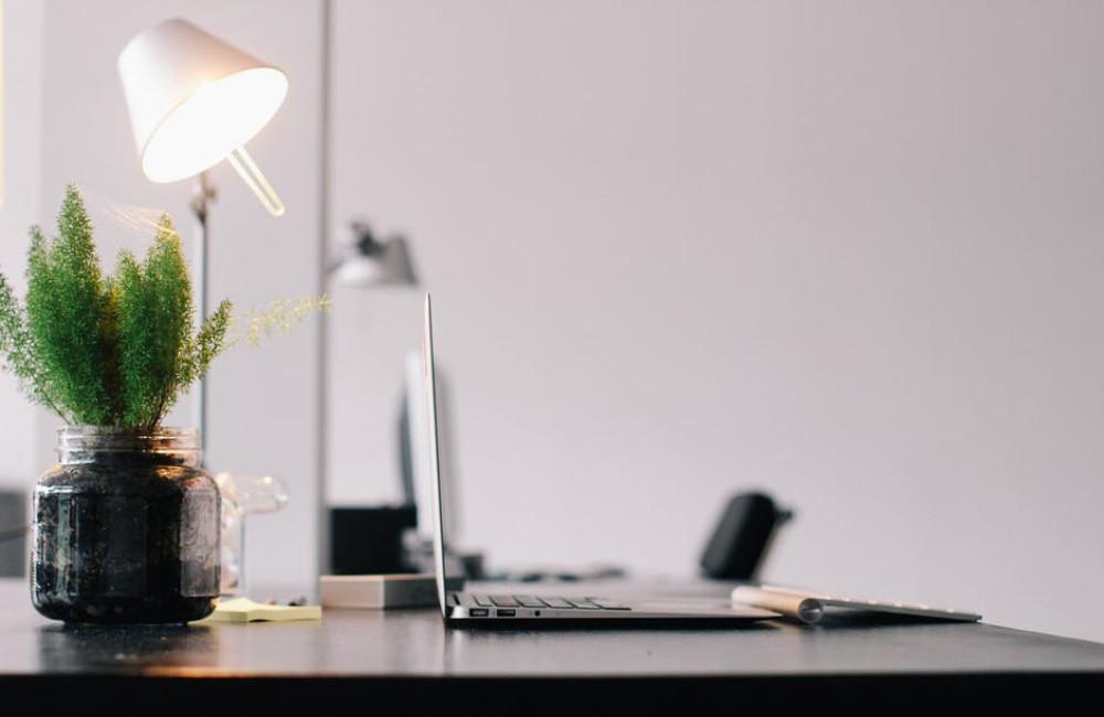 Redenen om te switchen naar een zit-sta bureau